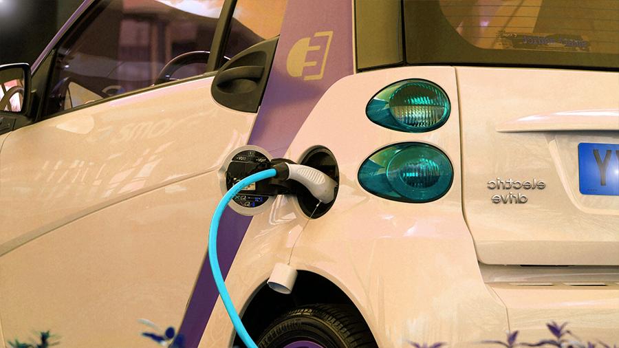 voiture écologique qui se recharge